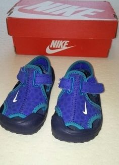 Kupuj mé předměty na #vinted http://www.vinted.cz/deti/boty/12451845-velmi-oblibene-nike-crocs-sandaly