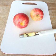 Äppelchips Plastic Cutting Board, Peach, Apple, Mat, Snacks, Fruit, Food, Apple Fruit, Appetizers