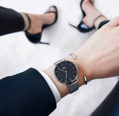 Use the code AVDIOPHILE2017 to receive 15% off your purchase at www.danielwellington.com! # ad #classicpetite28 #danielwellington @danielwellington
