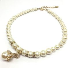 Because that important event demands style and lavish, this pearl necklace is definitively your best option. It is designed to look beautiful as a choker. Women's Jewelry, Pearl Necklace, Chokers, Pearls, Beautiful, Style, String Of Pearls, Swag, Beaded Necklace