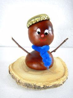 Kastanienmännchen Acorn Crafts, Bunny Crafts, Autumn Crafts, Christmas Crafts, Christmas Ornaments, Diy And Crafts, Crafts For Kids, Arts And Crafts, Conkers Craft