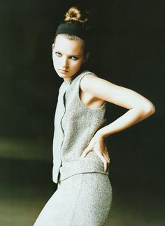 Kate Moss Vogue Spain (1995) ph. Kelly Klein