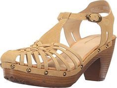 Bare Traps Womens Sanata Honey Sandal 6 B M -- You can find out more details at the link of the image.