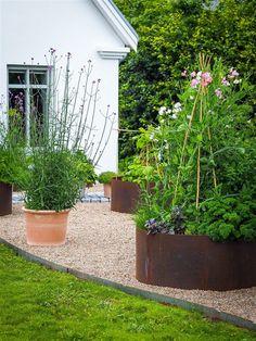 Small Courtyard Gardens, Outdoor Gardens, Easy Garden, Home And Garden, Outdoor Walkway, Seaside Garden, Garden Design Plans, Garden Urns, Herb Planters