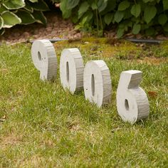 visitors (and help out pizza delivery people) by creating these cool concrete house numbers for your front yard. Watch the video for a quick look. Concrete Forms, Concrete Table, Concrete Houses, Concrete Projects, Concrete Slab, Outdoor Projects, Diy Projects, Cement Tiles, Mosaic Tiles