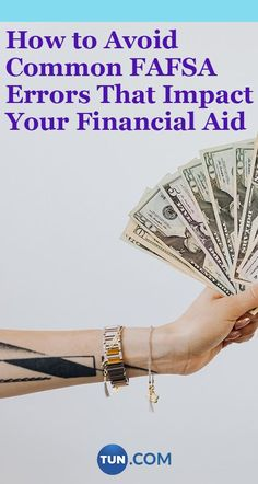 These are the most common errors that happen when filling out the FAFSA. Make sure you avoid them! College Packing, College Hacks, College Students, Gold, University, Jewelry, Jewlery, Jewerly, Schmuck