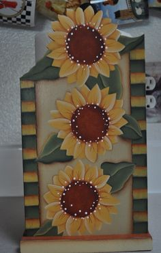 Sunflower paper towel holder by Countrypainting