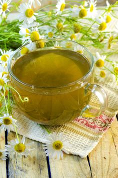 how to get rid of a strep throat with chamomile tea Home Remedies For Strep, Strep Throat Remedies, Rosacea Remedies, Home Remedies Beauty, Flu Remedies, Herbal Remedies, Healthy Skin Tips, Chamomile Tea, Sore Throat