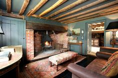 Most up-to-date Pics english Farmhouse Fireplace Suggestions After deciding you'd like to own a ranch or farm, saving the mandatory funds, finding the perfect Pub Interior, English Interior, English Decor, Country House Interior, Farmhouse Interior, Cottage Living Rooms, Home Living Room, East Sussex, Inglenook Fireplace
