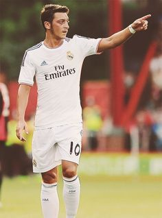 Mesut Özil Real Madrid 2013  He should still be wearing the whites of RM