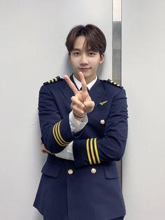 Going Seventeen, Seventeen Album, Jeonghan Seventeen, Woozi, Wonwoo, Pilot Uniform, Id Photo, Choi Hansol, Cute Themes
