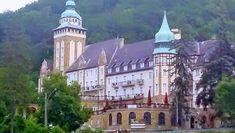 Úti célok a következő helyen: Magyarország Notre Dame, Mansions, House Styles, Building, Travel, Viajes, Manor Houses, Villas, Buildings