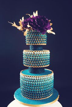 Princely as a peacock by Delice - http://cakesdecor.com/cakes/307538-princely-as-a-peacock