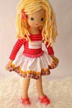 cute little skirt!