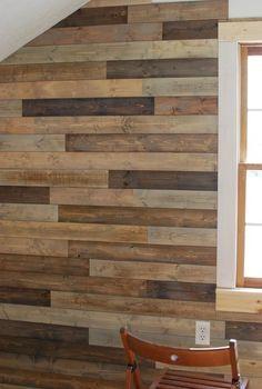 Pared con madera natural y recuperada . DIY plank wall
