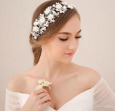 Vintage Wedding Bridal Crystal Rhinestone Pearls Hair Accessories Flowers Pieces Pins Headband Beaded Princess Tiara Jewelry Suppliers, $36.85 | DHgate.com
