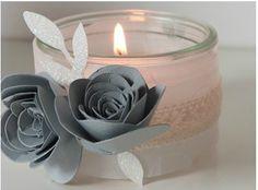 porte bougies Diy Paper, Paper Crafts, Origami, Deco Table Noel, Creation Deco, Foliage Plants, Diy Flowers, Communion, Floral Arrangements
