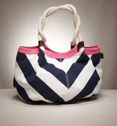 I have this bag, but mine has yellow stripes and a blue trim. #Bags #Beach #BeachBag