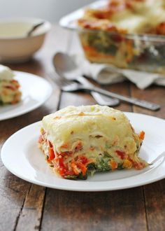 Light Veggie Alfredo Lasagna by pinchofyum: 240 calories for one thick and cheesy slice of deliciousness. #Lasagna #Veggie #Light