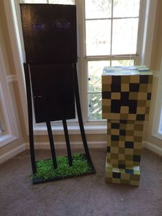 A closer look at Enderman and a creeper.