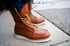 Red wing shoes: another name for the rough out style red wing shoes and social media KTOBERV Mens Lace Up Boots, Cool Boots, Man Boots, Red Wing Boots, Mens Boots Fashion, Shoe Company, Kinds Of Shoes, Dream Shoes, Men's Shoes