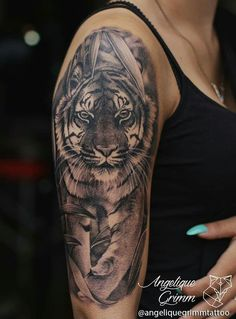 Merely watching someone with a Tiger Tattoo nearby, similar to watching the Real Tiger, gives one the Fear of Death itself. Tiger tattoo is the perfect combination of power, Dope Tattoos, Tattoos Masculinas, Tattoos Skull, Animal Tattoos, Body Art Tattoos, Pretty Tattoos, Tattos, Tiger Tattoo Sleeve, Big Cat Tattoo