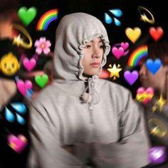cool picture bts taehyung v kimtaehyung Jimin, Bts Taehyung, Namjoon, Yoongi Bts, Foto Bts, It Netflix, Bts Emoji, Heart Meme, Kpop Memes