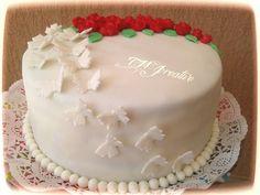 #TMJcreative #birthdaycake #fondant #butterflies #redroses #szülinapitorta