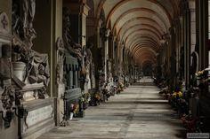 静寂の中、時を刻む美しい彫刻が死者を取り囲むヨーロッパで最大の墓地「モニュメンタル・ド・スタリエノ墓地」 : カラパイア