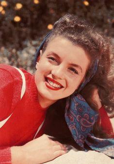 Estilo Marilyn Monroe, Young Marilyn Monroe, Norma Jean Marilyn Monroe, Marilyn Monroe Photos, Classic Hollywood, Old Hollywood, Joe Dimaggio, Norma Jeane, Lazy Outfits