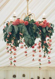 Wedding Flower Favorites: Carnations - Budget Friendly Beauty