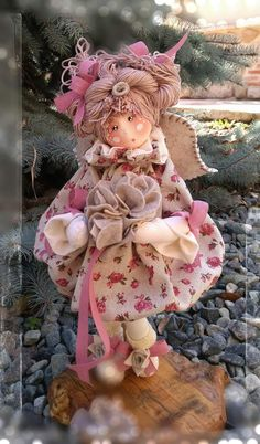 tiziana confermo's media statistics and analytics Handmade Design, Handmade Toys, Fabric Brooch, Angel Crafts, Doll Hair, Soft Dolls, Doll Crafts, Fabric Dolls, Christmas Projects