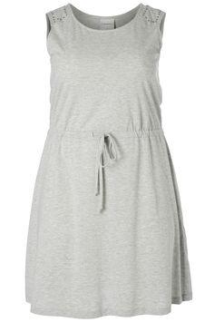 Heerlijk jurkje voor de zomer van Junarose. Op de schouder zit een glitter detail. Leuk voor over je bikini of badpak. Nu voor €19,95. | Bagoes Plus Size Fashion | www.bagoes.nl