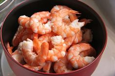 Linda Wood loves to make this shrimp chowder recipe for her home Bible studies or during the winter for dinner. The next time you need a great soup for a get-together, give this recipe a try. Chowder Recipes, Soup Recipes, Cooking Recipes, High Protein Recipes, Low Calorie Recipes, Protein In Shrimp, Camarones Fritos, Shrimp Chowder, Shrimp Creole