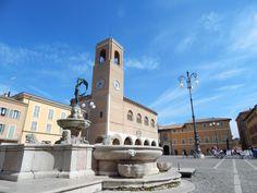 Piazza XX Settembre - Fontana della Fortuna - Fano - Cuccinella