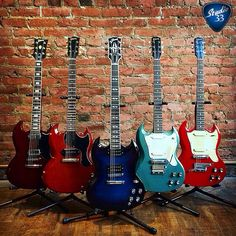 #Gibsunday continues with these Vintage Gibson SG's from @ecguitars #GibsonSG Learn to play guitar online at www.Studio33GuitarLessons.com