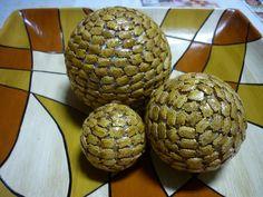 Bolas com semente de São Caetano