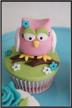 Owl cupcake by Cooking Art La Muela