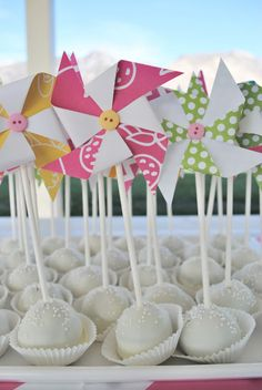 Pinwheel Party cake pops
