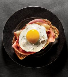 Aggressively Fried http://www.menshealth.com/nutrition/14-best-ways-eat-egg/slide/6