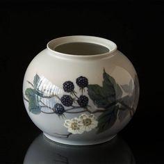 See Vase with blackberry at Danish Porcelain House. Royal Copenhagen, Blackberry, Vases, Art Nouveau, Home And Garden, Retro, Porcelain, Blackberries, Retro Illustration