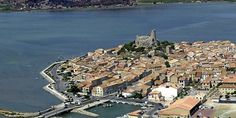Le port de plaisance de Gruissan peut accueillir actuellement 1 300 bateaux.