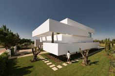 Cinco Terraços e um Jardim(Five Terraces and A Garden), a modern minimalist single house in Vilamoura, Portugal [1480×987] - Cool Houses Pictures And Dream Home Unique Designs, Big, Medium Size And Small House Design Ideas