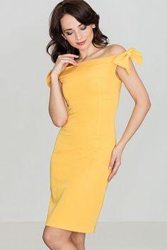 """1 200 Kč - """"Rozdíl mezi stylem a módou je kvalita."""" Giorgio Armani Materiál:  65% polyester, 35% viskóza Údržba:  Šaty doporučujeme prát ručně."""