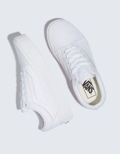 Womens Sneakers – High Fashion For Women Teen Girl Shoes, White Shoes For Girls, White Tennis Shoes, Tennis Shoes Outfit, White Casual Shoes, Striped Shoes, Best White Sneakers, Womens White Sneakers, Sneakers Women
