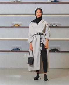 Abaya Fashion 83856 Modest look, abaya style Modern Hijab Fashion, Street Hijab Fashion, Hijab Fashion Inspiration, Abaya Fashion, Muslim Fashion, Modest Fashion, Look Fashion, Fashion Outfits, Hijab Fashion Summer