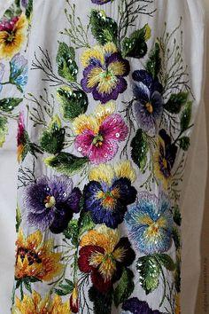 Hand emroidered white floral blouse by Handembroiderykvitka by fanio – Stickerei , handwerker und mehr Couture Embroidery, Crewel Embroidery, Hand Embroidery Patterns, Ribbon Embroidery, Floral Embroidery, Machine Embroidery, Crazy Quilting, Embroidered Clothes, Motif Floral