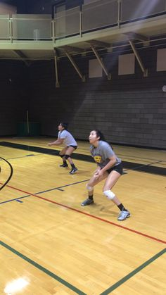 When it comes to really competing to win, you want to train in a way that constantly increases your mental toughness throughout your workout. Click the link below to read the article: #improveyourvolleyball #howtoplayvolleyball #volleyballtraining #lasvegasvolleyball #vegasvolleyball #volleyballclass #volleyballclinics #volleyballclasses #volleyballcamp #volleyballcamps #volleyballpractice #youthvolleyball #volleyballinstruction #volleyballworkout #volleyballlesson #volleyballcoaching