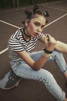 Zdjęcia: Hanna Balwierczak Modelka: Olivia Winiarska Stylizacja: Kaja Rogacz Makijaż: Maja Kureczko   http://hiro.pl/hanna-balwierczak-pamietnik-z-lat-90/