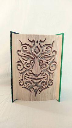 papierikovo / Tvár v knihe Book Folding, Book Art, Bronze, Books, Libros, Book, Book Illustrations, Libri
